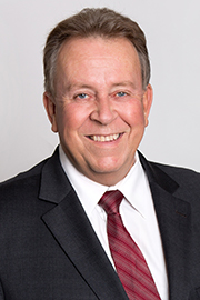 Headshot of Michael Gravelle.