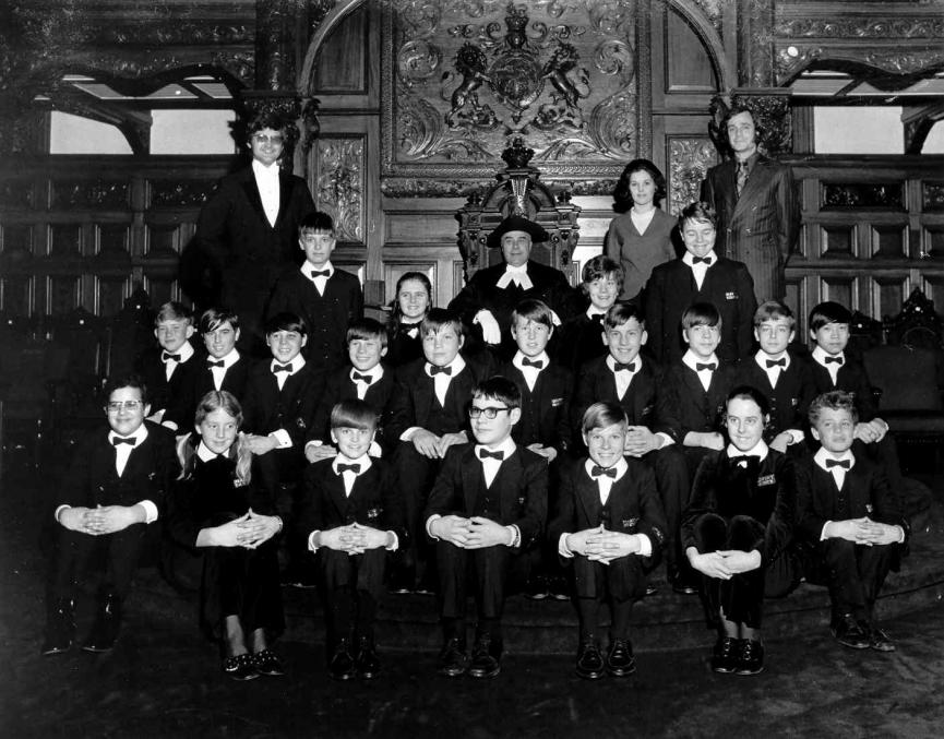 The first group of Pages to include girls, with Speaker Cass in 1971