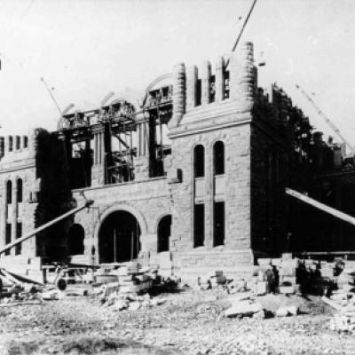Construction of the centre block of the Legislative Building, 1889.